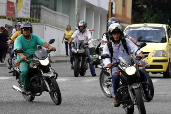 motociclista colombiano